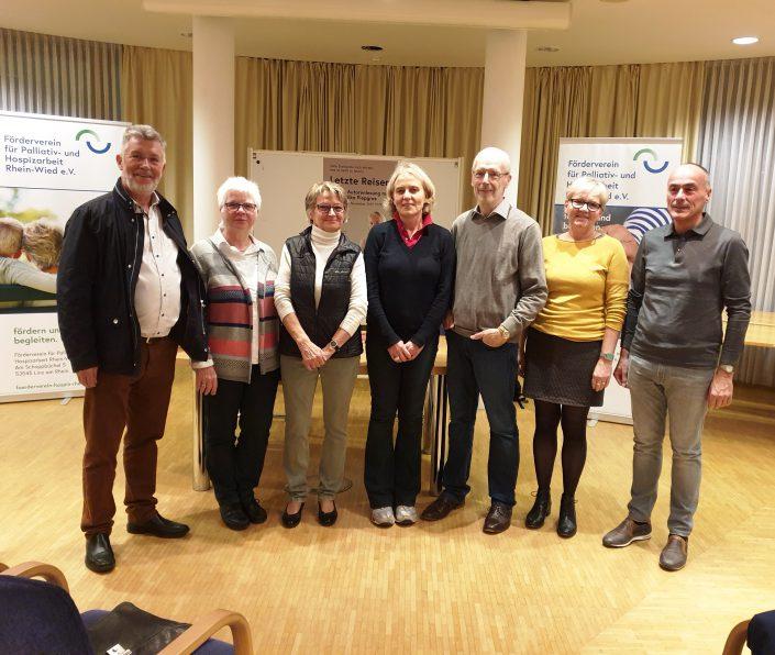 In seiner dritten Informationsveranstaltung 2019 hatte der Förderverein für Palliativ – und Hospizarbeit Rhein – Wied e. V. in Kooperation mit der Katholischen Familien - Bildungsstätte und der Buchhandlung Cafitz zu einer Lesung eingeladen.